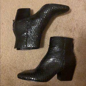Dolce Vita Coltyn Black Snake Look Black Boot
